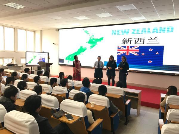 新西兰师生在我校体验丰富的课程